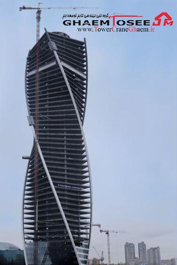 تاور کرین پتن در حال ساخت برج تکامل