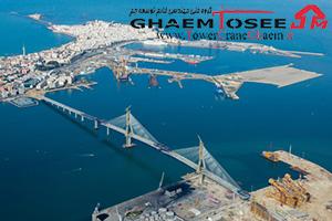 تاور کرین کومانسا در خلیج کادیز اسپانیا