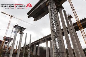 تاور کرین پتن در حال ساخت پایه پل