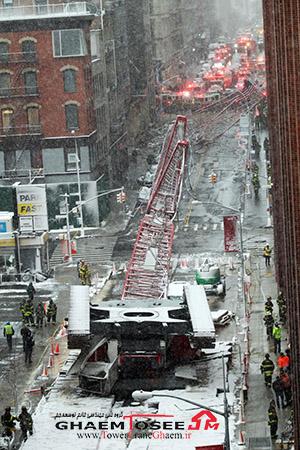 سقوط جرثقیل خزنده در منهتن آمریکا